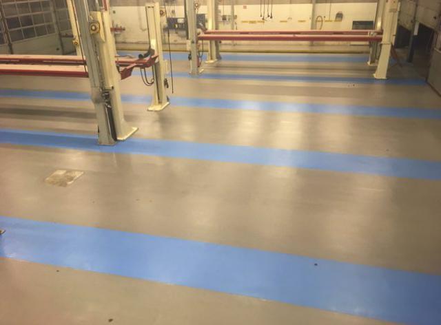 Nouveau sol en acrylate en 2 couleurs avec finition antidérapante à Zoeterwoude - 1