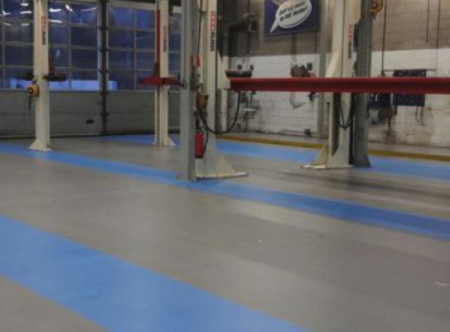 Nieuwe acrylaatvloer bij garage DAF in Zoeterwoude - 4
