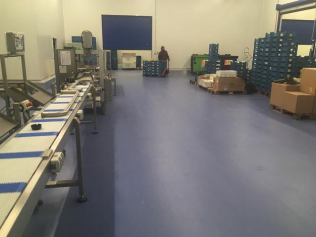 Nieuwe acrylaatvloer bij Groep A. De Witte vestiging De Swert - 1